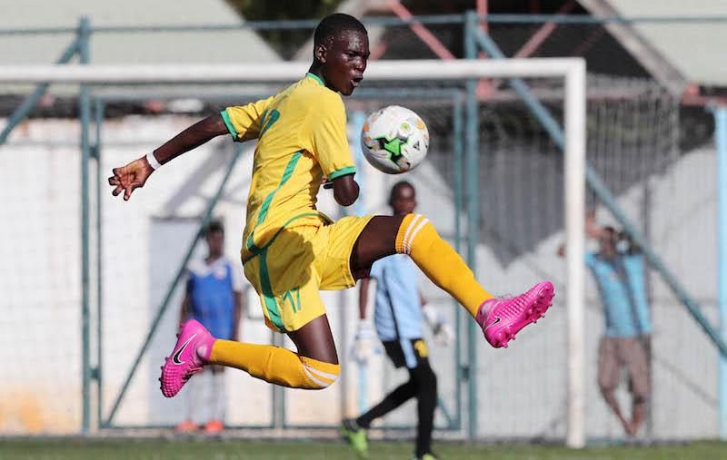 Football - 2017 Cosafa Under 17 Champs - Mauritius v Zimbabwe - Port Louis - Mauritius